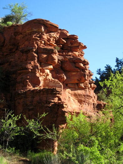 Arizona red rock on display along West Clear Creek
