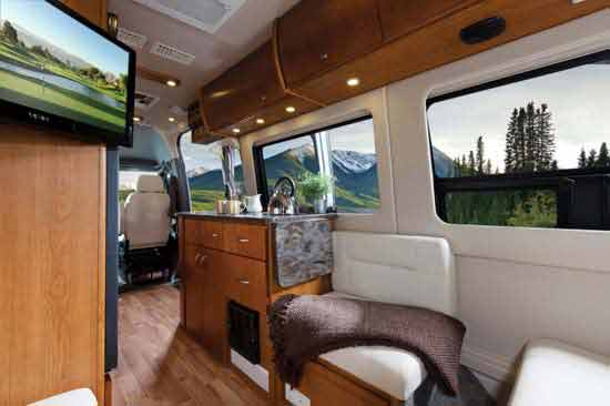 Mercedes benz sprinter van features and technology for Mercedes benz sprinter camper van