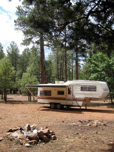 RV camping above Oak Creek Canyon north of West Fork Oak Creek off of National Forest Road 535. No campgrounds here and it's free camping/boondocking up to 14 days.