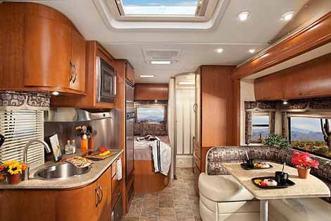 The sprinter motorhome a look at class c mercedes benz for Mercedes benz sprinter luxury motorhome rv