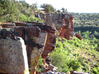 Picture of the jagged edge of Red Tank Draw Canyon near Sedona, Arizona