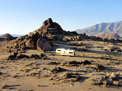 RV camping among the Alabama Hills