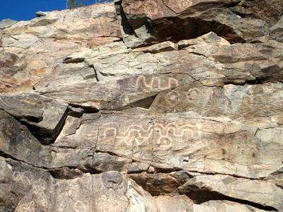Petroglyphs in Tyson Wash