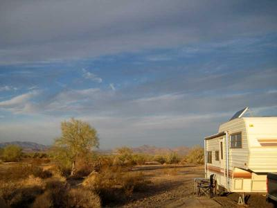 RV camping on Scaddan Wash