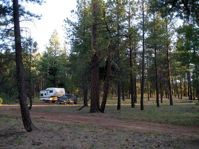 RV camping on the ridge above Pumphouse Wash